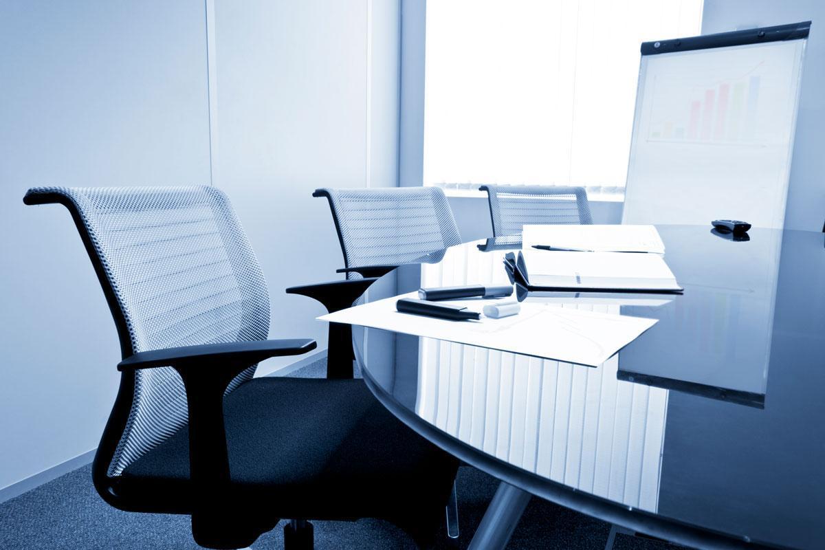 Sopimustenhallinnan yleisesitys ja keskustelutilaisuus voidaan järjestää organisaation kokoamalla kohderyhmälle.